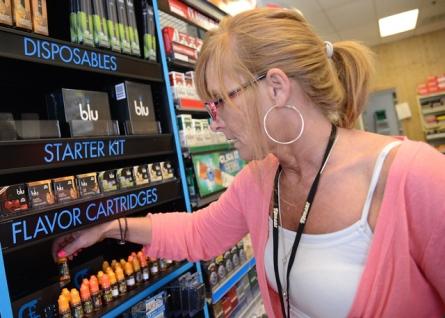 e-cigs display