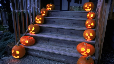 Decking Your Stairs The Halloween Way