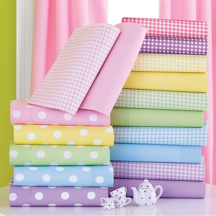 10 Creative Ways to Reuse Old Bed Sheets
