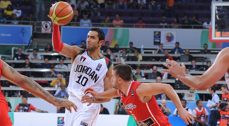 Sam Daghles (#10). Photo from FIBA.
