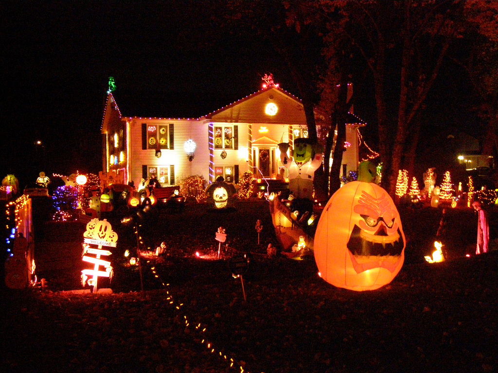 & Home Decoration Ideas For A Halloween-Themed Home