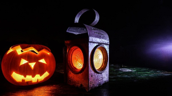 lamp-halloween-lantern-pumpkin-large-min