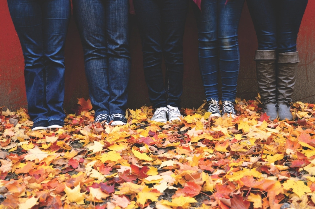 Inexpensive Outdoor Family Thanksgiving Activities