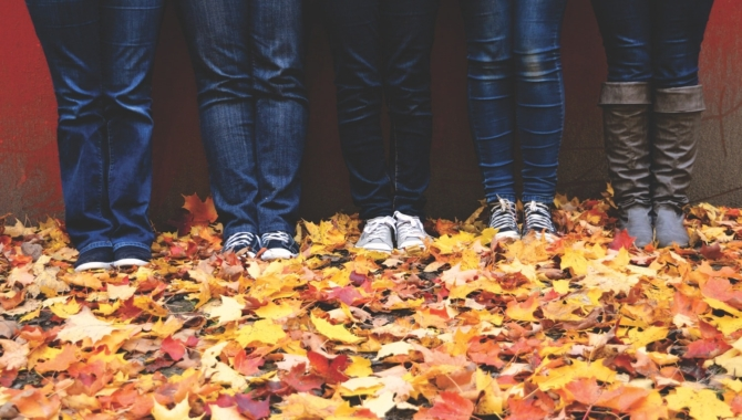 Inexpensive Outdoor Family Thanksgiving Activities To Enjoy This Year
