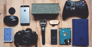 Gadgets Every Tourist Needs When Having a Summer Escapade