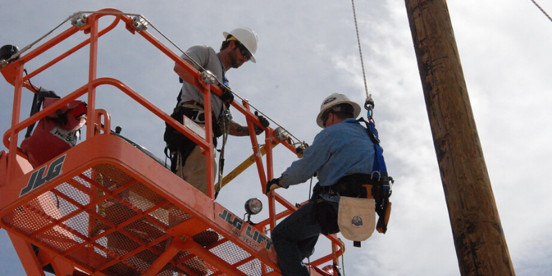 Photo of Helpful Guides: How to Purchase an Aerial Lift Online